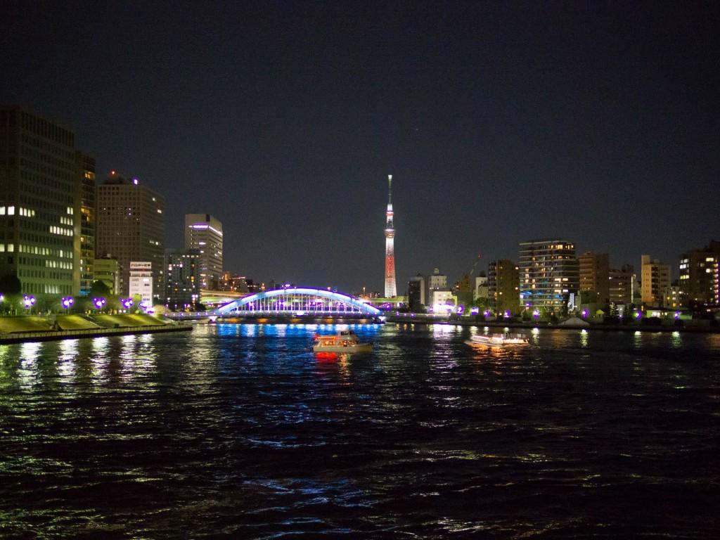 永代橋とスカイツリーのイルミネーション photo:hajime okada