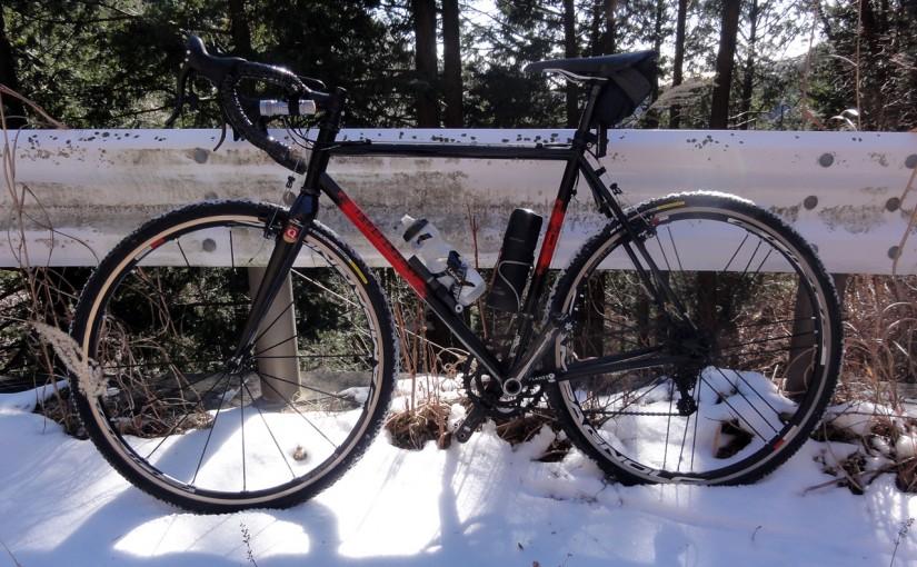 シクロクロスタイヤSERAC CXで走った雪の虫沢林道と三廻部林道