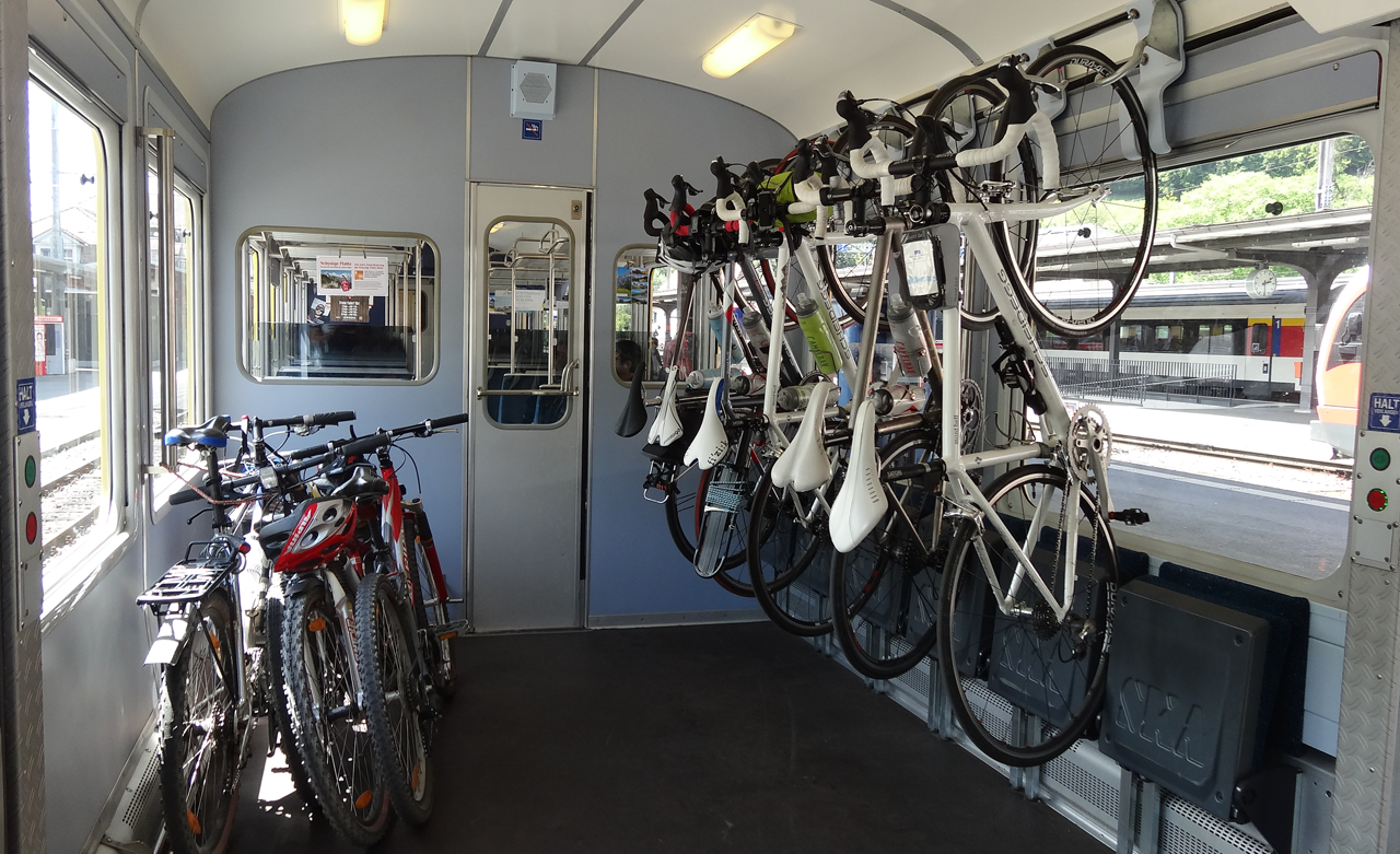 ベルナーオーバーランド鉄道のバイク専用スペース