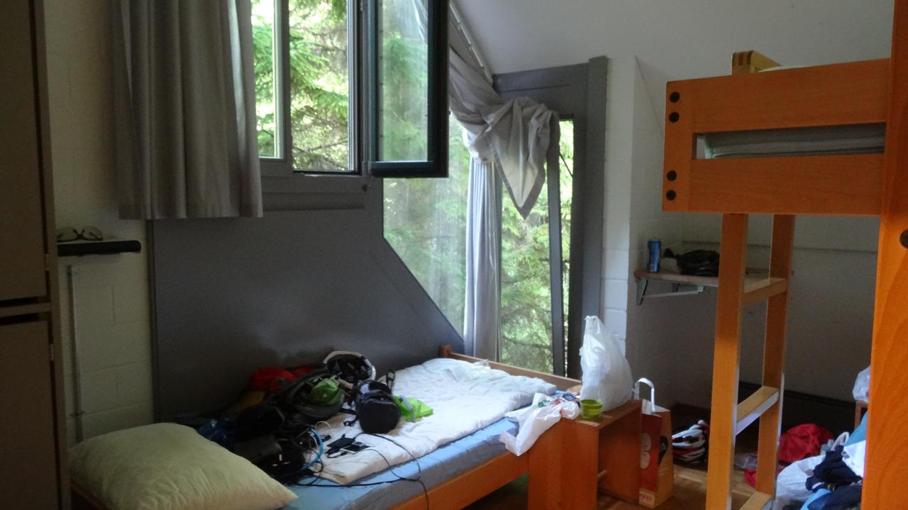 ルツェルンのユースホステル客室
