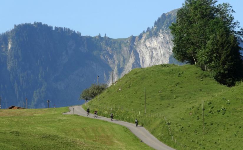 スイス・アルペンパノラマルートを行く(11)Day6:ビュル〜エイグル