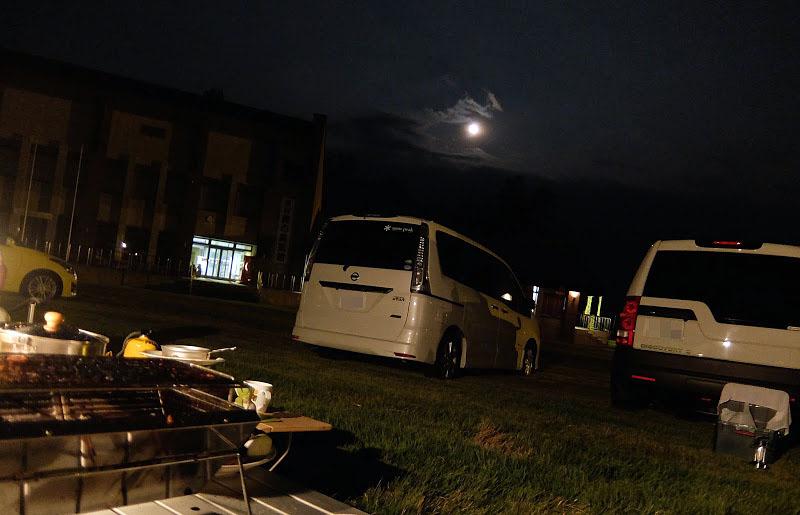 月が輝いていた大会前日