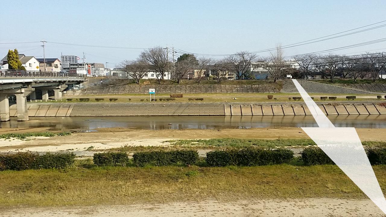海蔵川と交わる旧東海道ルート