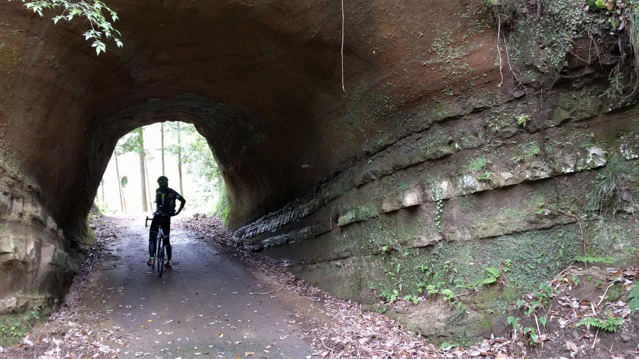 デザインされたかのようなトンネル